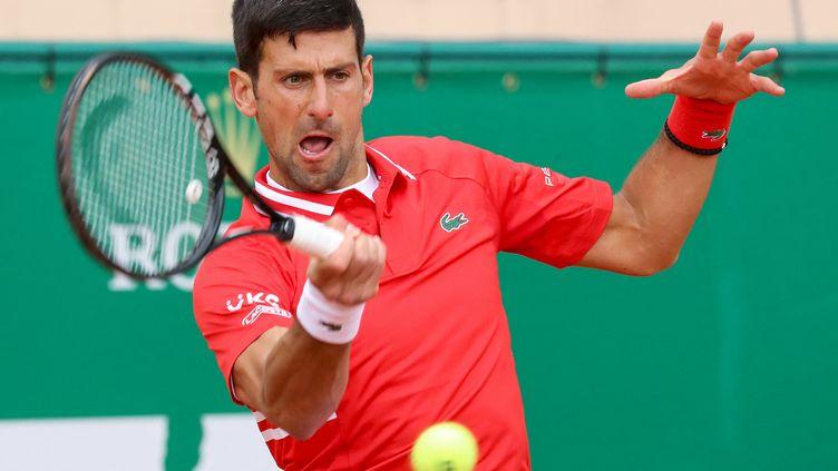 Novak Djokovic lors du Masters 1000 de Monte-Carlo, le 14 avril 2021.  (VALERY HACHE / AFP)