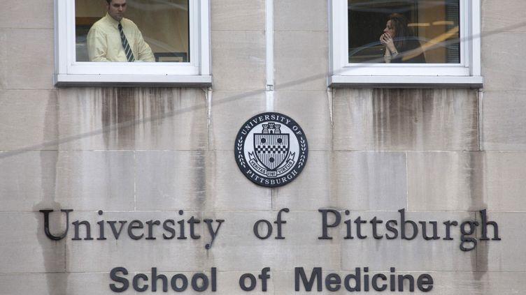 Une fusillade a fait deux morts dans le service psychiatrie de l'hôpital de Pittsburgh (Pennsylvanie) le 8 mars 2012. (JASON COHN / REUTERS )