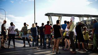 Les abords du pont Morandi, à Gênes, le 14 août. (PIERO CRUCIATTI / AFP)