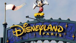 L'entrée du parc Disneyland Paris, à Marne-la-Vallée (Seine-et-Marne), le 13 août 2015. (BERTRAND GUAY / AFP)