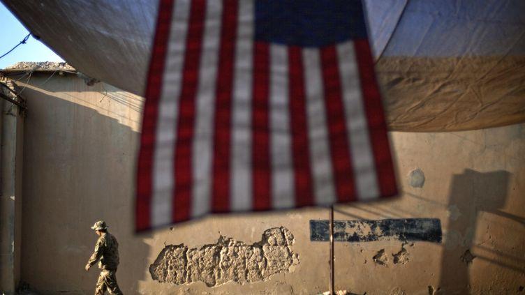 Un soldat américain le 11 septembre 2011 dans une base américaine de la province de Kunar, en Afghanistan. (DAVID GOLDMAN / AP)