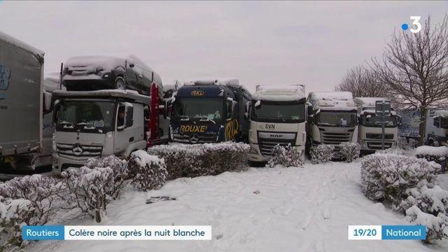 Neige : la colère des chauffeurs de poids lourds immobilisés pendant une nuit