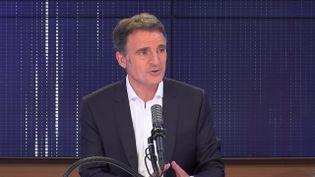 Eric Piolle, maire EELV de Grenoble, invité de franceinfo vendredi 18 juin 2021. (FRANCEINFO / RADIO FRANCE)