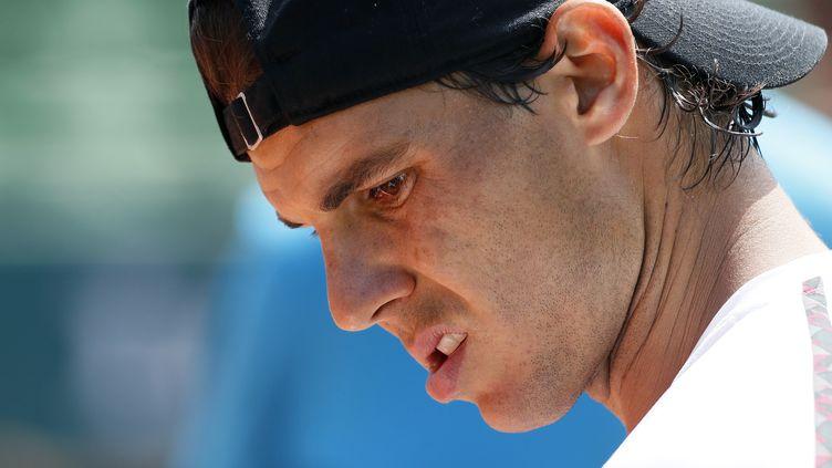 Rafael Nadal s'entraîne à Paris avant Roland-Garros, le vendredi 22 mai 2015. (PATRICK KOVARIK / AFP)