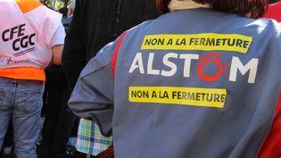 Manifestation contre la fermeture du site Alstom de Belfort, devant le siège du groupe à Saint-Ouen (Seine-Saint-Denis), le 27 septembre 2016. (PAUL ALFRED-HENRI / CITIZENSIDE / AFP)