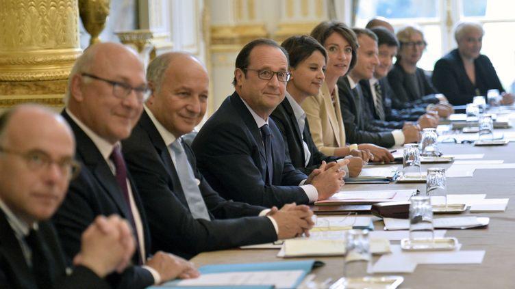 (Le premier Conseil ministre du gouvernement Valls II se tenait mercredi matin. © REUTERS /Pool New)