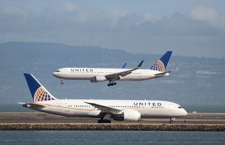 Appareils de la compagnie United Airlines à l'aéroport de San Francisco le 7 février 2015. (REUTERS - Louis Nastro - File Photo)