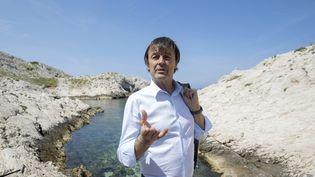 Nicolas Hulot, le 18 mai 2018, sur une île du Frioul au large de Marseille (Bouches-du-Rhône). (BERTRAND LANGLOIS / AFP)