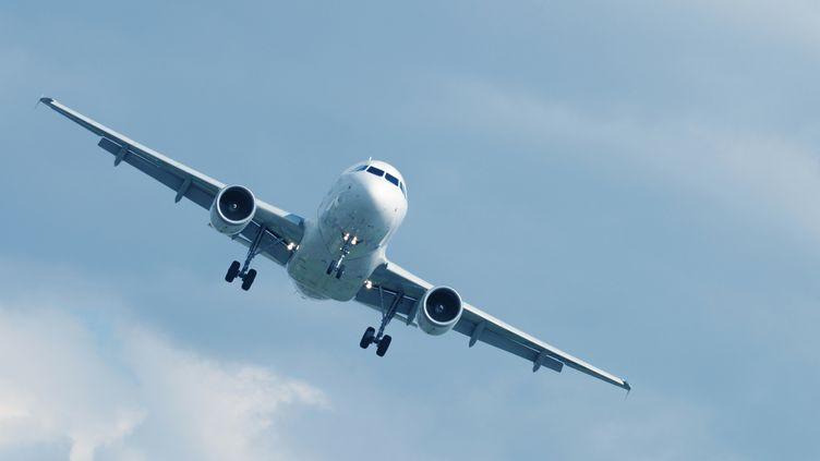 Aujourd'hui, la phobie de l'avion touche entre 20 et 30% de la population française, selon la psychologue Velina Negovanska. (GREGORY BAJOR / FLICKR RF / GETTY IMAGES)