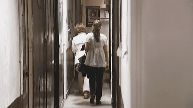 Pour les étudiants, trouver un logement à Paris n'est pas chose aisée. (FTVI / FRANCE 2)