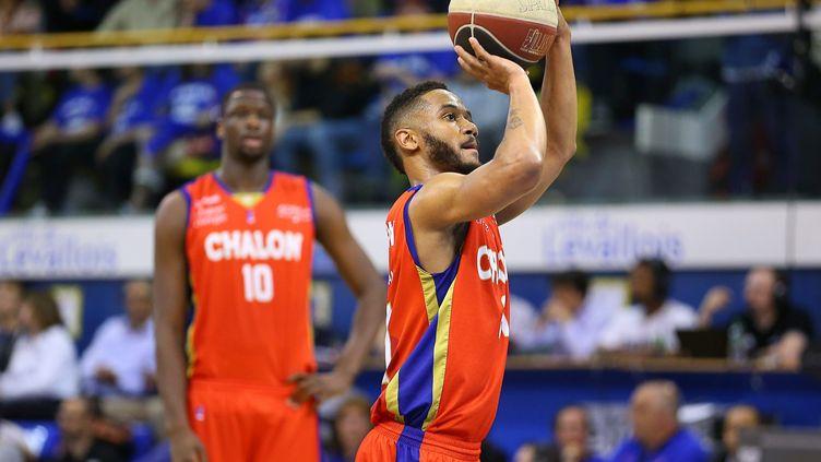 Le joueur de Chalon-sur-Saône John Roberson (ANTHONY MASSARDI / MAXPPP)