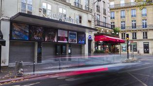 Le cinéma UGC Danton, au cœur de Paris, fermé (photo prise le 17 novembre 2020) (XAVIER FRANCOLON / SIPA / XAVIER FRANCOLON)
