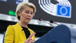 La présidente de la Commission européenne Ursula von der Leyen au Parlement européen à Strasbourg (Bas-Rhin)le 7 juillet 2021. (PATRICK HERTZOG / AFP)