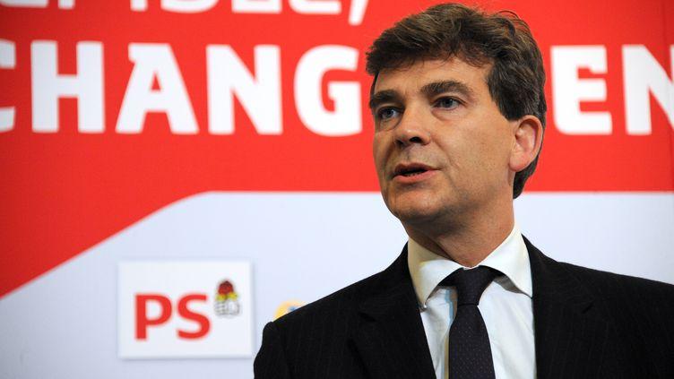 Arnaud Montebourg lors d'un discours au siège du Parti socialiste, à Paris, le 9 octobre 2011. (JOHANNA LEGUERRE / AFP)
