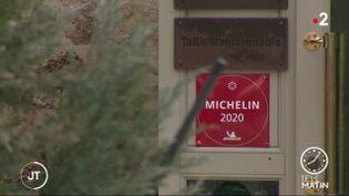 Malgré le coronavirus, le guide Michelin distribue ses étoiles (France 2)