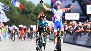 Le coureur de la FDJ-Groupama Arnaud Démare avait remporté la course en ligne des championnats de France, l'an dernier à Grand-Champ dans le Morbihan, le 23 août 2020. (DAMIEN MEYER / AFP)