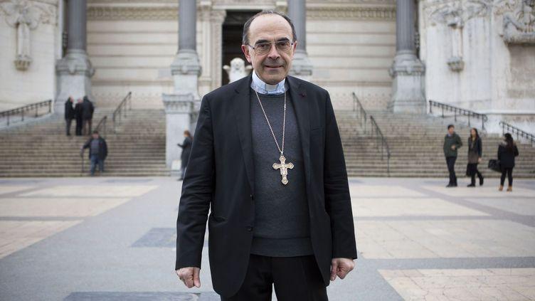 Le cardinal Barbarin, archevêque de Lyon, arrive en face de la basilique de Fourvière, le 8 mars 2016, à Lyon (Rhône). (MAXPPP)