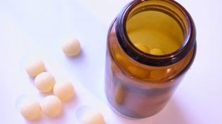 En période d'examens, les pharmaciens assistent à une ruée sur les vitamines et les compléments alimentaires (PHOTOS.COM / JUPITERIMAGES / AFP)