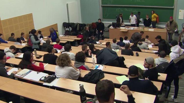 Jeudi 16 janvier à l'université de Nancy (Meurthe-et-Moselle), des partiels n'ont pas pu se tenir à cause d'une action contre la réforme des retraites. (FRANCE 2)