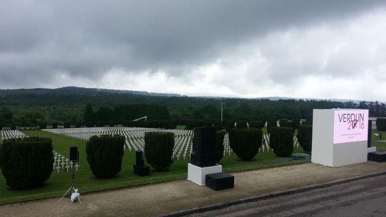 (L'ossuaire de Douaumont à 9km de Verdun © RF/Sandrine Etoa-Andègue)