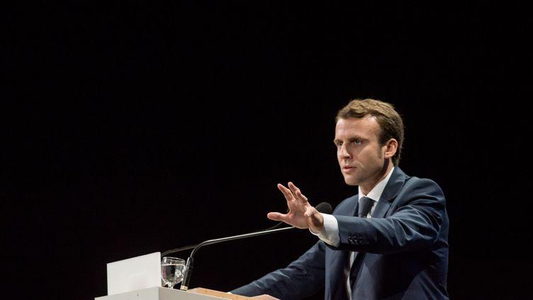 Le ministre de l'Economie, Emmanuel Macron, le 9 octobre 2014 à Lyon (Rhône). (CITIZENSIDE / NICOLAS LIPONNE / AFP)