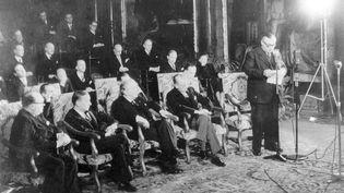 Cérémonie de signature du traité de Bruxelles, le 17 mars 1948.    (SECRETARIAT GENERAL UEO)