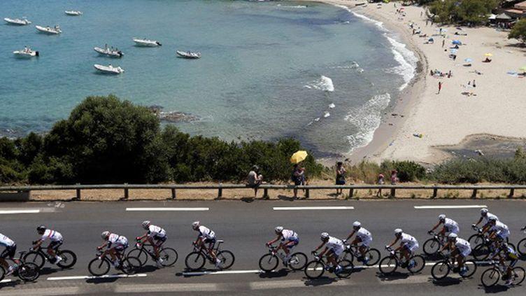 Le peloton du Tour de France. (JOEL SAGET / AFP)