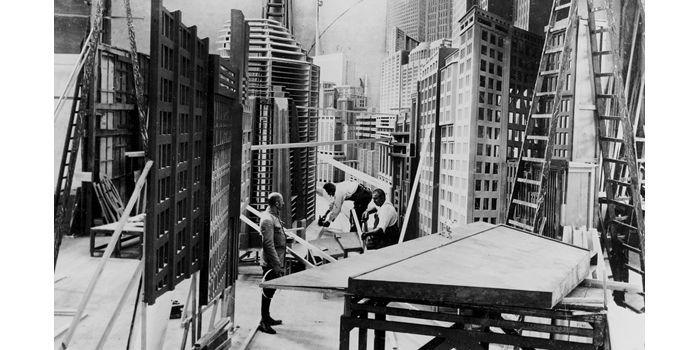 """Décors de """"Metropolis"""", Fritz Lang, Studio Babelsberg,1927  (Deutsche Kinemathek)"""