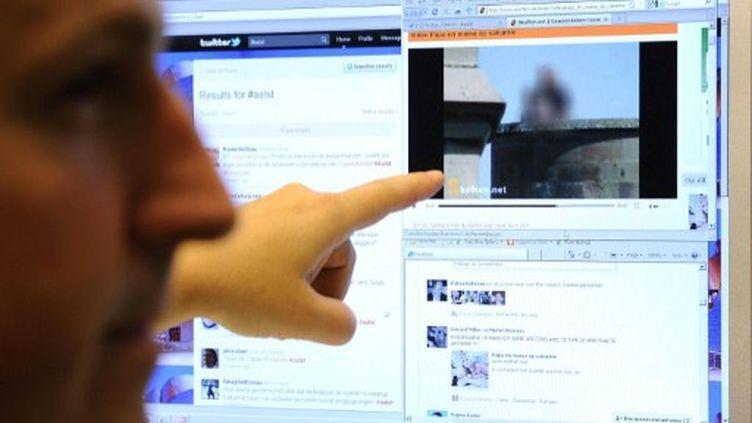 Internet est devenu le troisième média référent des Français pour s'informer sur la politique (AFP)
