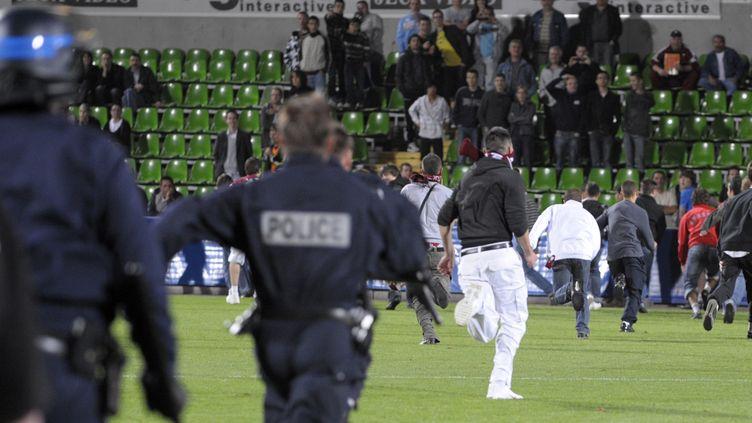 Incidents au stade Saint-Symphorien, à Metz (JEAN-CHRISTOPHE VERHAEGEN / AFP)