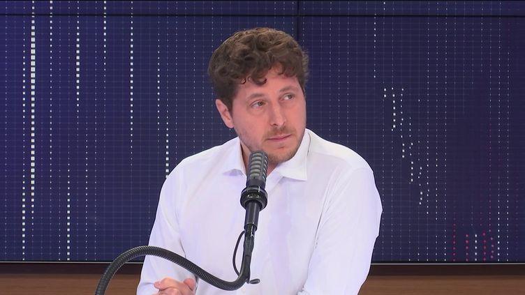 Julien Bayou était l'invité de franceinfo vendredi 9 juillet. (FRANCEINFO)