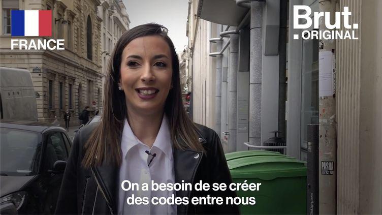 VIDEO. Ce que les femmes font par sécurité quand elles rentrent tard le soir (BRUT)