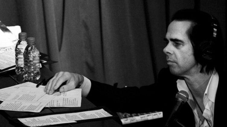 Nick Cave en plein travail de composition.  (nickcave.com)