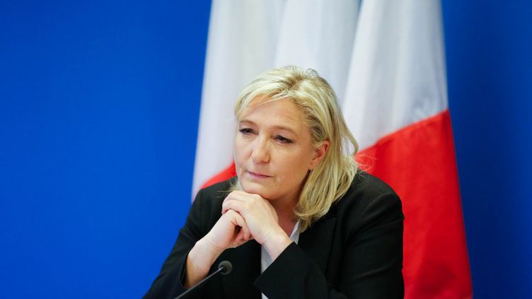 Marine Le Pen, la présidente du Front National, tient une conférence de presse à Nanterre (Hauts-de-Seine) le 16 janvier 2015. (CITIZENSIDE.COM / AFP)