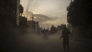 Un soldat taliban à Kaboul (Afghanistan), le 21 septembre 2021. (FELIPE DANA / AP)