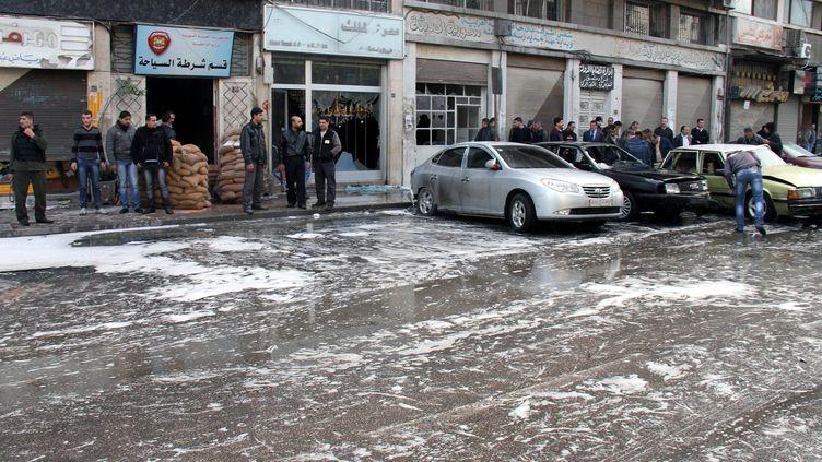 Une personne a été tuée et cinq blessées mercredi 12 décembre 2012 matin par deux bombes à Jaramana, à une dizaine de kilomètres au sud-est de Damas, une localité pro-régime où vivent en majorité des druzes et des chrétiens. Cette localité a déjà été l'objet de quatre attentats dans le passé. (MAXPPP)