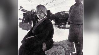 Alexandra David-Néel a passé la moitié de sa vie à voyager. Convertie au bouddhisme et résolument en avance sur son temps, l'exploratrice a inspiré tous ceux qui ont croisé son chemin. (France 2)
