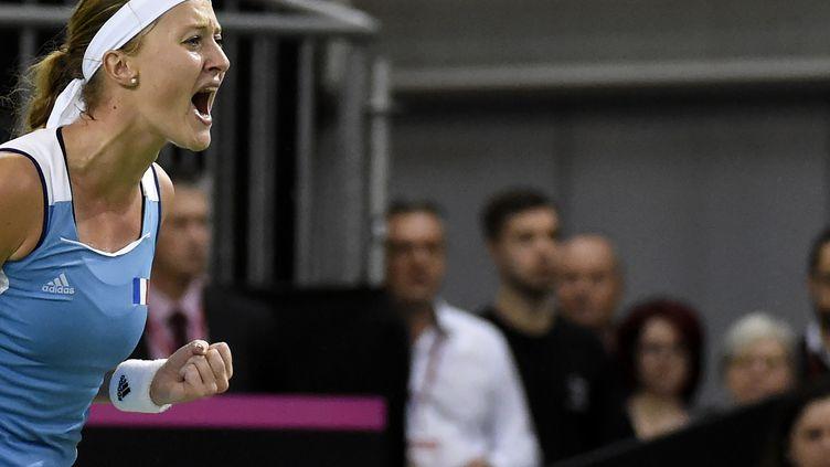 La Française Kristina Mladenovic pleine de rage (JEAN-PHILIPPE KSIAZEK / AFP)