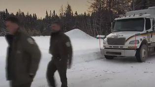 Dans le nord du Québec (Canada), les recherches devraient reprendre jeudi 23 janvier pour tenter de retrouver les cinq Français disparus près du lac Saint-Jean. Ces vacanciers sont originaires notamment de Sainte-Marie-aux-Mines (Haut-Rhin). (FRANCE 2)