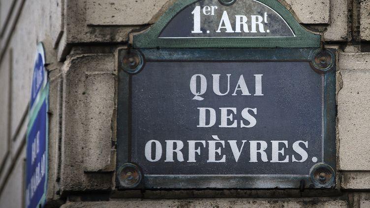 Une opération de prélèvements d'ADN a été effectué, le 10 septembre 2015, sur des dizaines de policiers et employés du siège de la police judiciaire parisienne. (JOEL SAGET / AFP)