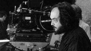 """Staney Kubrick sur ele tournage de """"Shining"""" en 1980  (Archives du 7eme Art / Photo12)"""