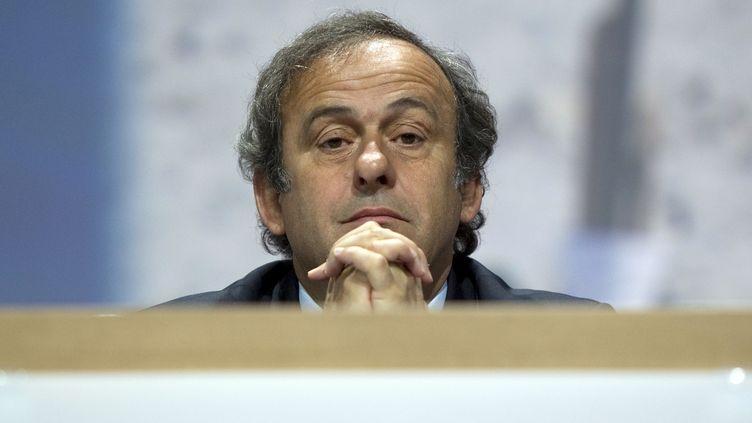 Michel Platini dans l'impasse... (SEBASTIAN DERUNGS / AFP)