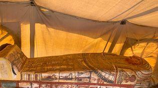 Un des 14 sarcophages découverts dans la nécropole de Saqqara en Egypte. (- / EGYPTIAN MINISTRY OF ANTIQUITIES)