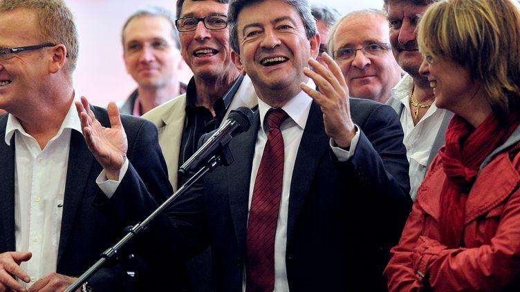Jean-Luc Mélenchon lors de l'annonce de sa candidature pour les législatives, le 12 mai 2012 à Hénin-Beaumont (Pas-de-Calais). (DENIS CHARLET / AFP)