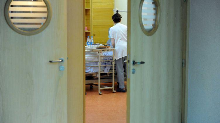 Dans un service de soins palliatifs, à Paris, le 26 avril 2013. (PFG / SIPA)