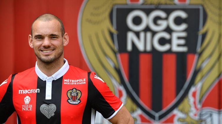 Le Niçois Wesley Sneijder. (YANN COATSALIOU / AFP)