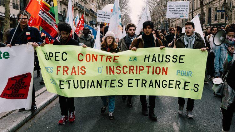 Manifestation conte la hausse des frais d'inscription à l'université des étudiants étrangers non-européens, le 12 mars 2019, à Paris. (BENOIT DURAND / HANS LUCAS / AFP)