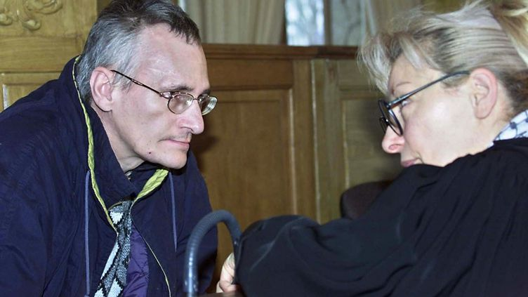 Francis Heaulme, le 19 novembre 2002, à Nancy (Meurthe-et-Moselle). (JEAN-CHRISTOPHE VERHAEGEN / AFP)