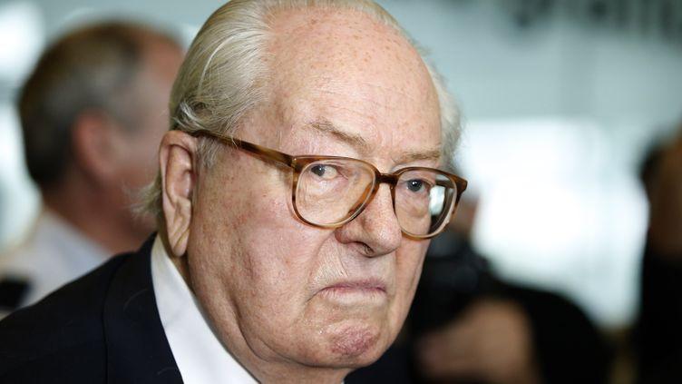 Le président d'honneur du Front national, Jean-Marie Le Pen, au tribunal de Nanterre (Hauts-de-Seine), le 12 juin 2015. ( CHARLES PLATIAU / REUTERS)