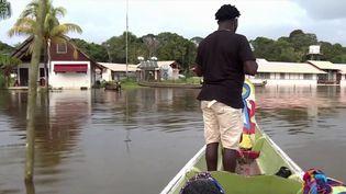 Guyane : les habitants attendent la décrue après des inondations interminables (FRANCE 3)